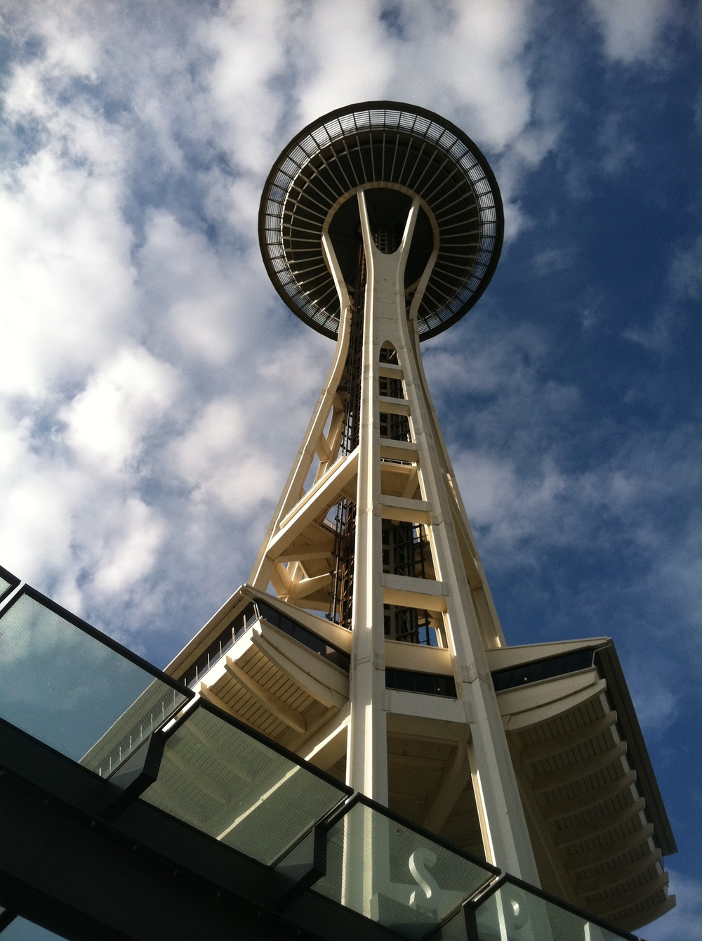 iPhone pictures of the Seattle Space Needle