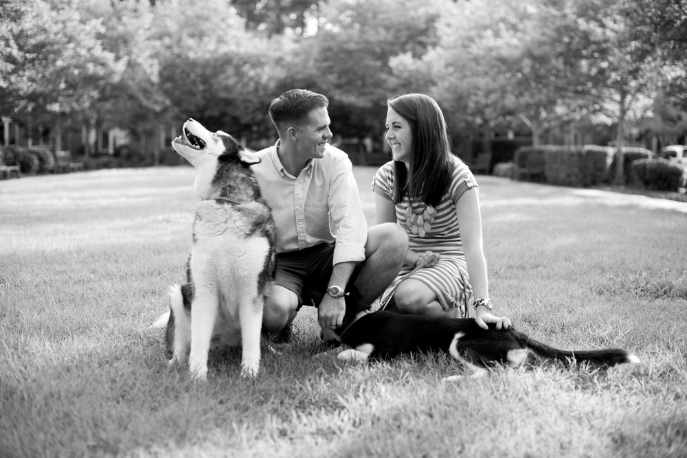 Anniversary session pictures with Husky dogs in Port Warwick, Newport News, Virginia (black and white)