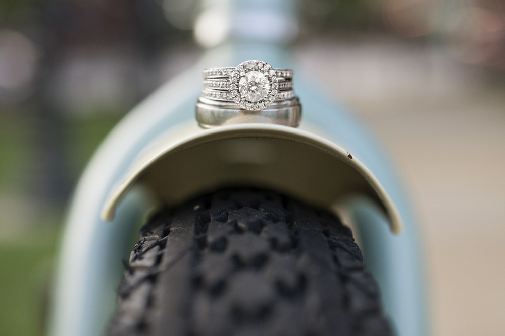 Beautiful ring picture on a blue Schwinn beach cruiser