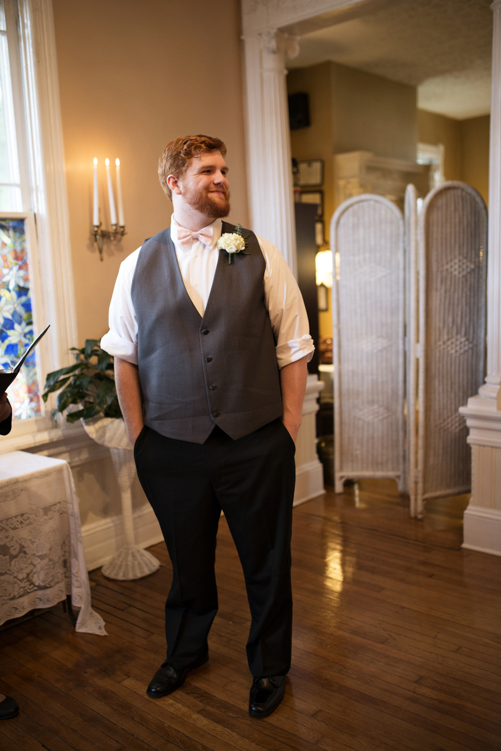 A groom waits for his bride before they elope | Magnolia House Inn