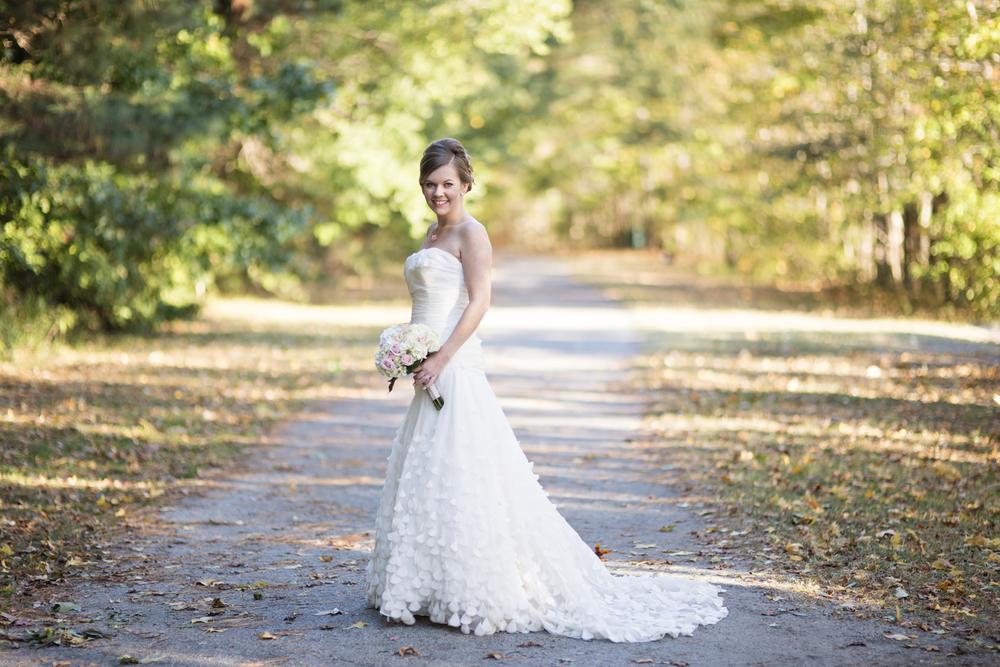 Classic bridal portraits in a park
