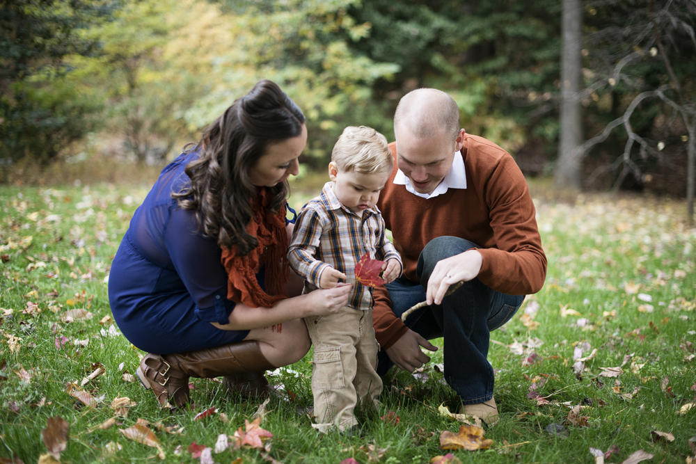 Fall family picture outfits with royal blue and rust orange