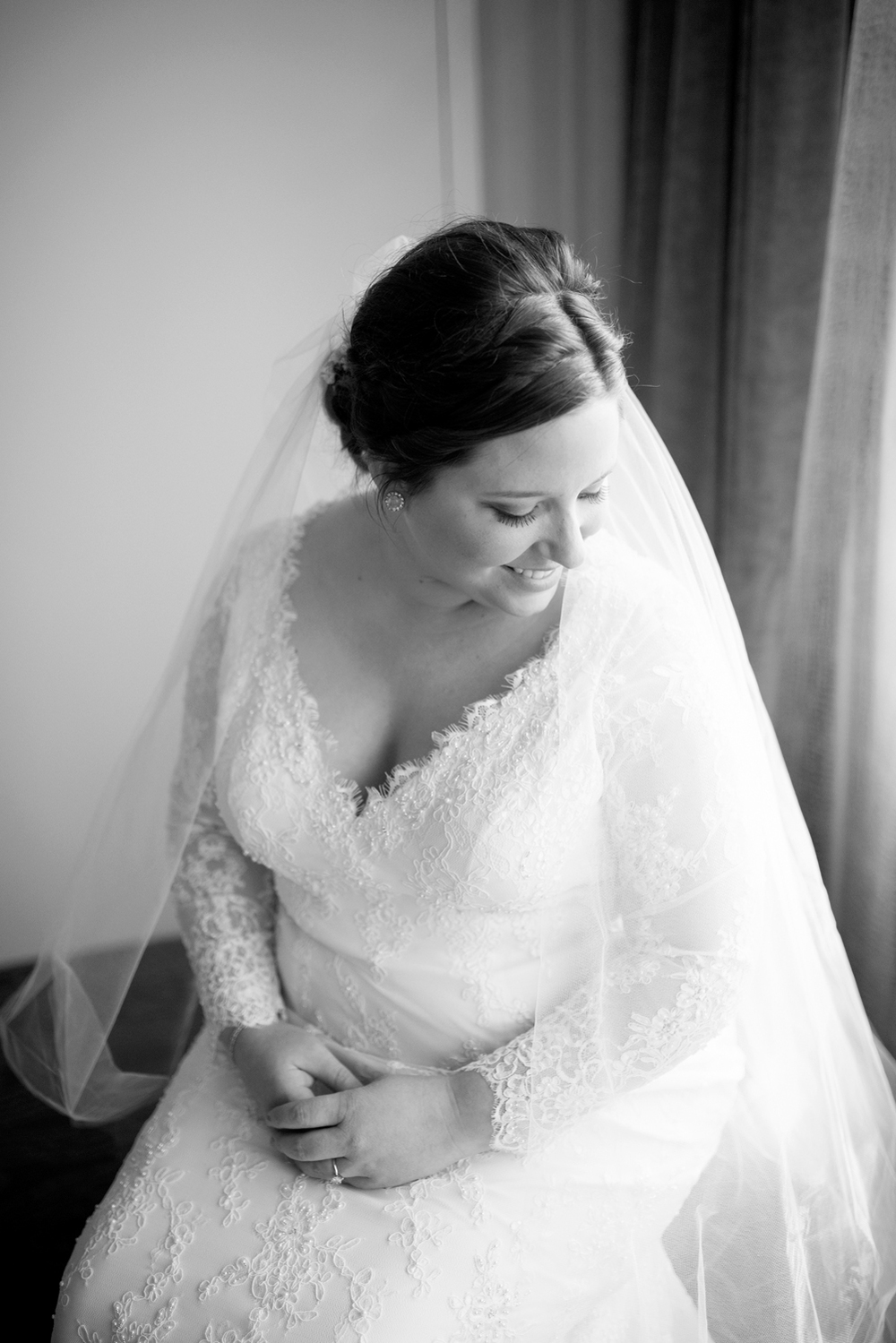 Bridal portraits in a hotel (black and white)
