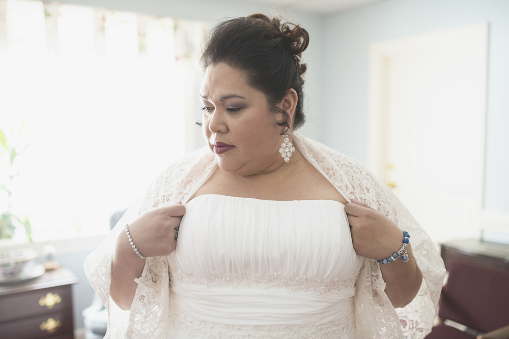 Bridal portraits for a winter wedding, and a 'something blue' bracelet