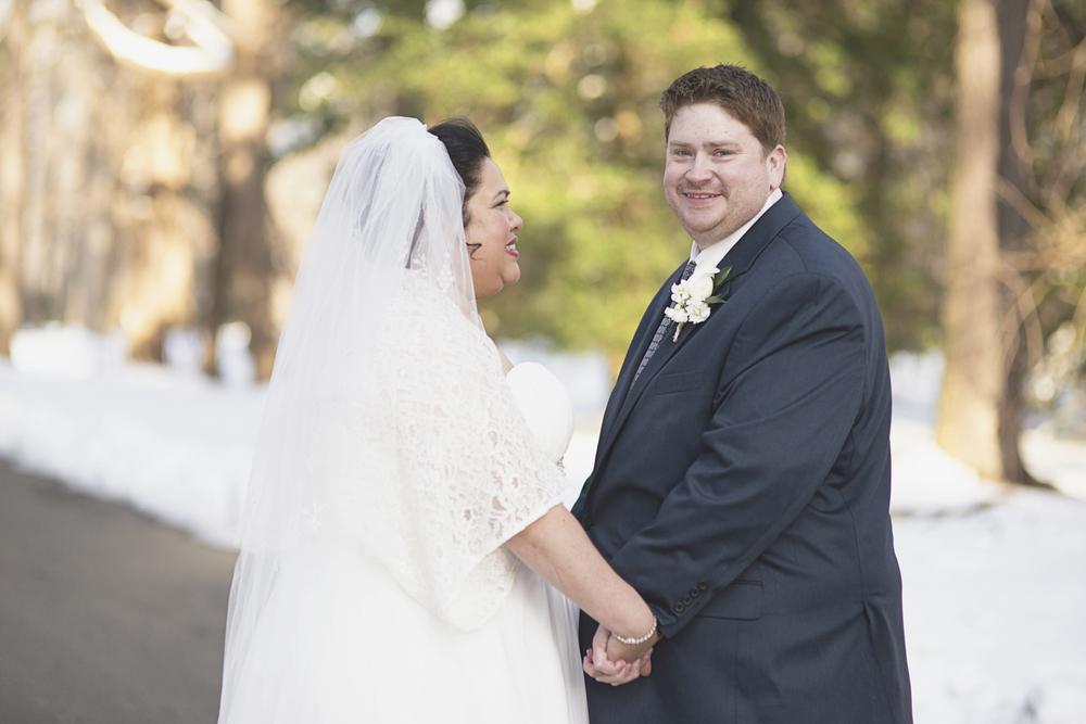 Bride & groom portraits in the snow | Winter wedding