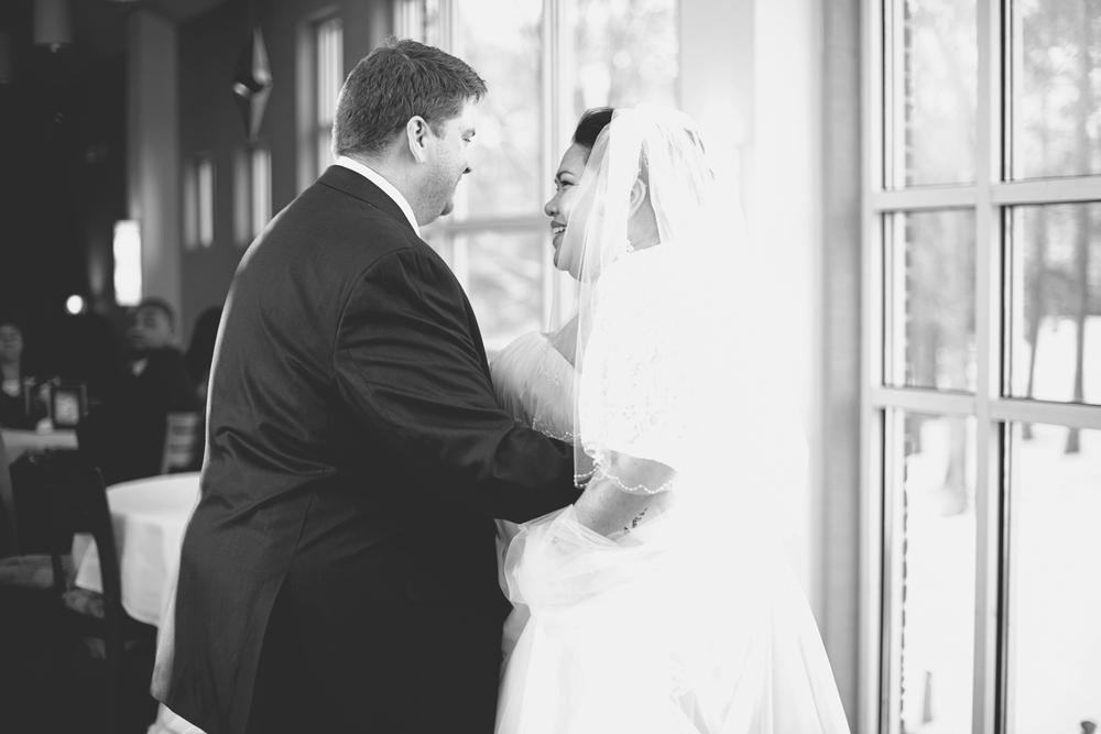Winter wedding reception | bride & groom first dance