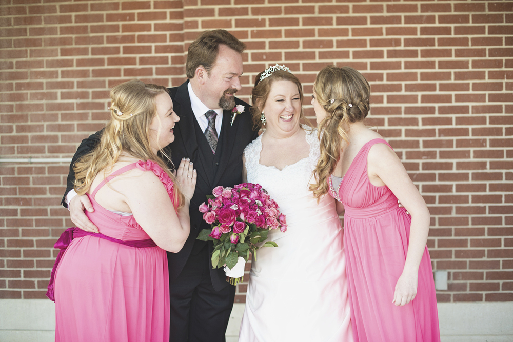 Wedding day family photos | Pink and white wedding | Daughters as bridesmaids