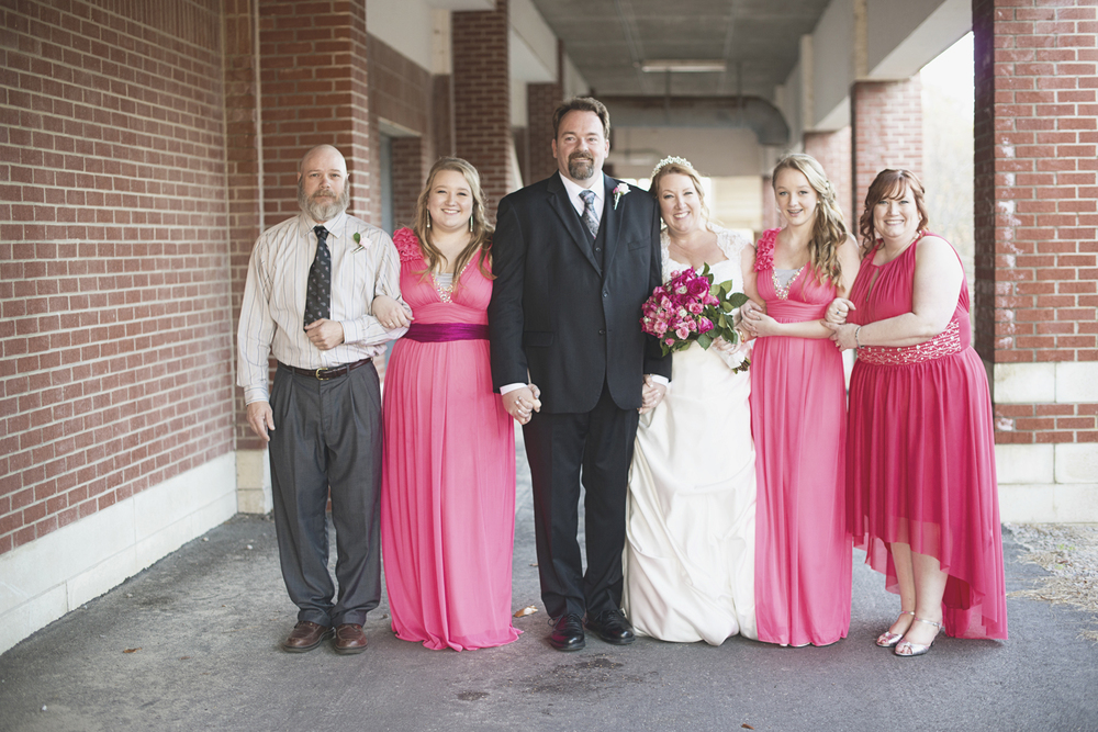 Pink and white wedding | Bridal party portraits