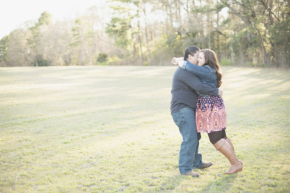 Engagement session at golden hour | Fall boots & jean jacket