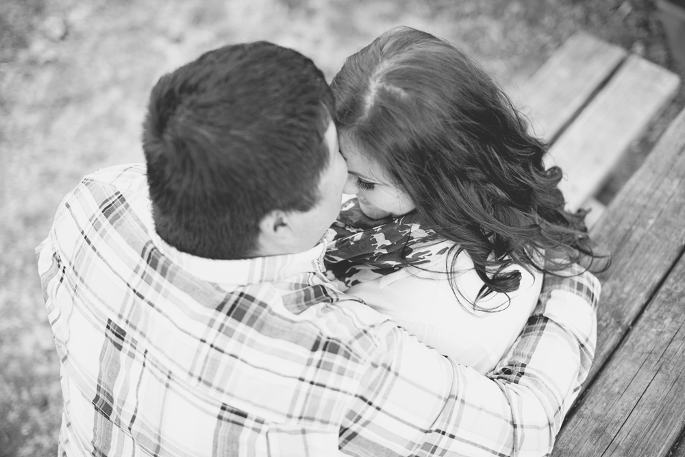 Romantic engagement picture ideas | Black and white