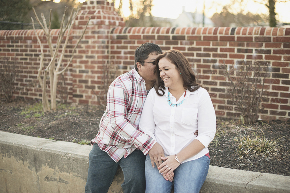 Natural engagement picture poses | Downtown engagement session