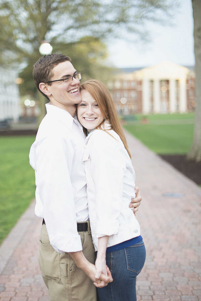 Engagement session natural poses | Blue, white, and khaki outfit