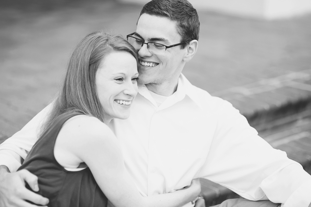 Natural  engagement session poses | Black and white