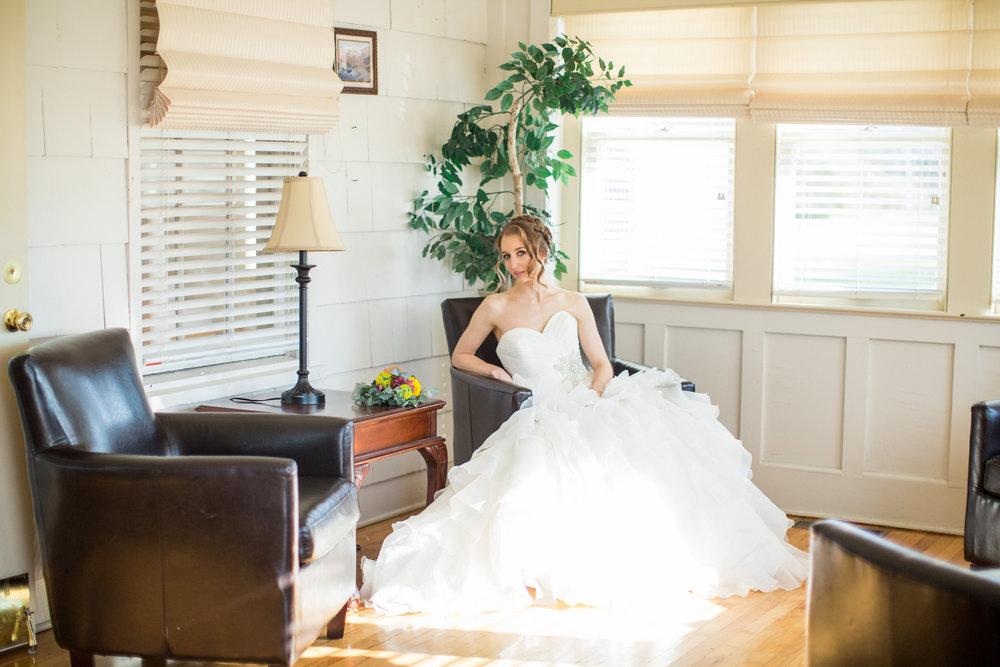 Cinco de Mayo Themed Wedding | Bridal portraits