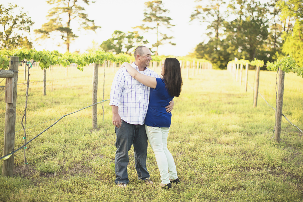 Windsor Castle Park Engagement Session in Smithfield, Virginia | Vineyard