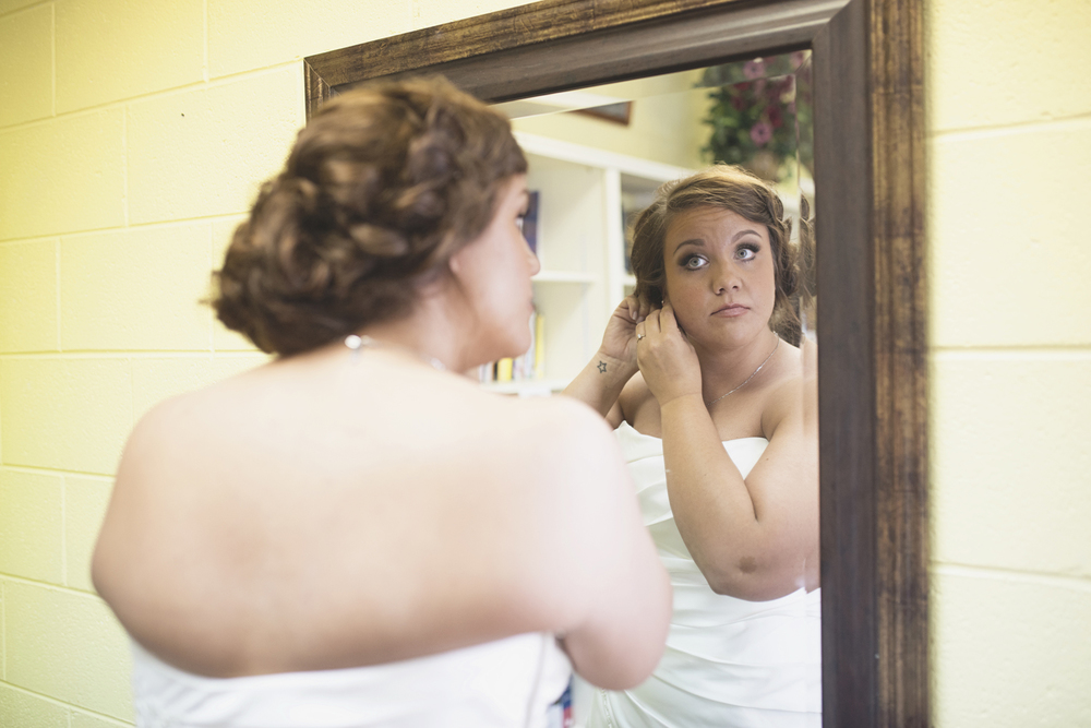 Tabernacle UMC Wedding in Poquoson, Virginia |  Bride getting ready