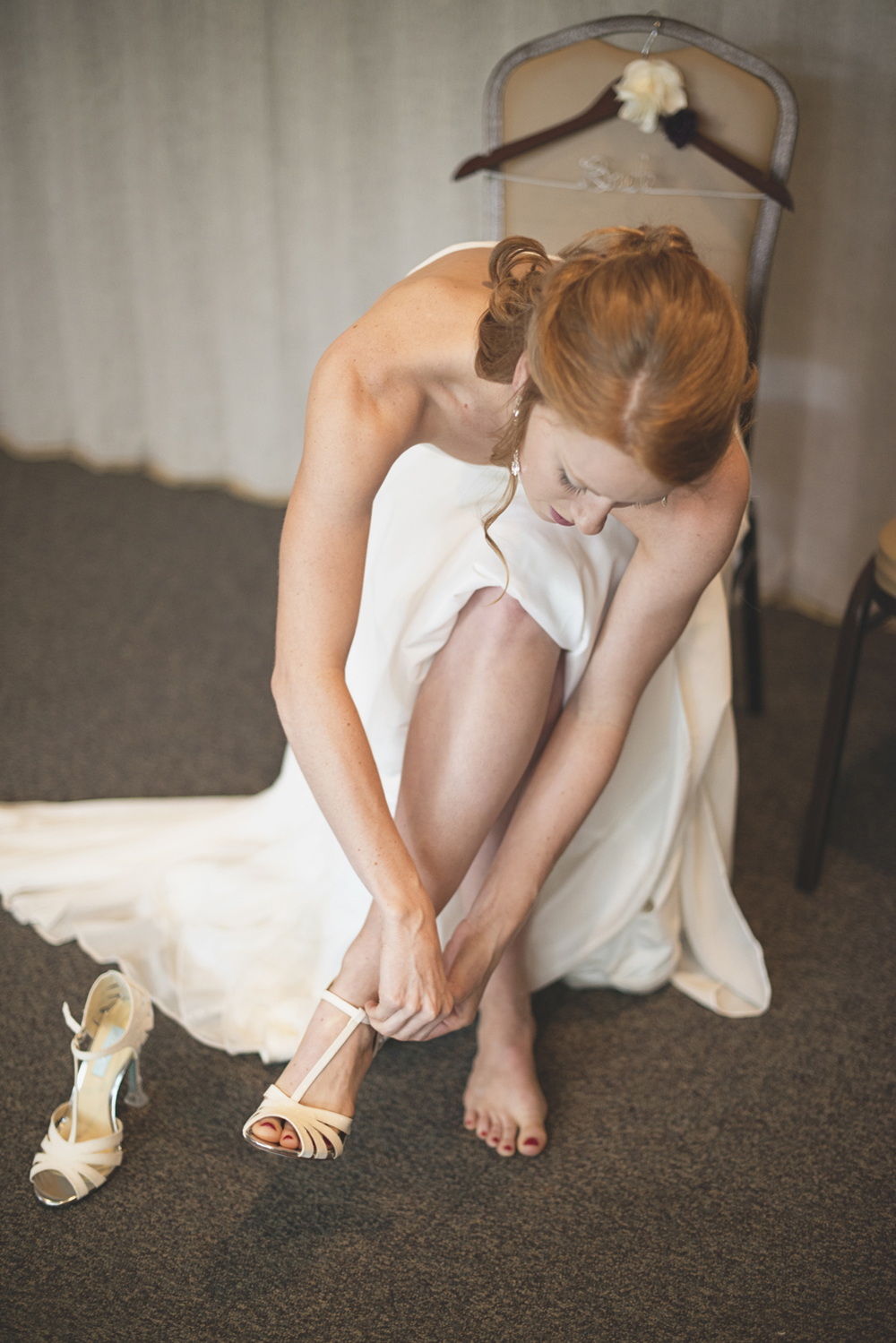 Mariners Museum Wedding | Newport News, Virginia |  Bride getting ready