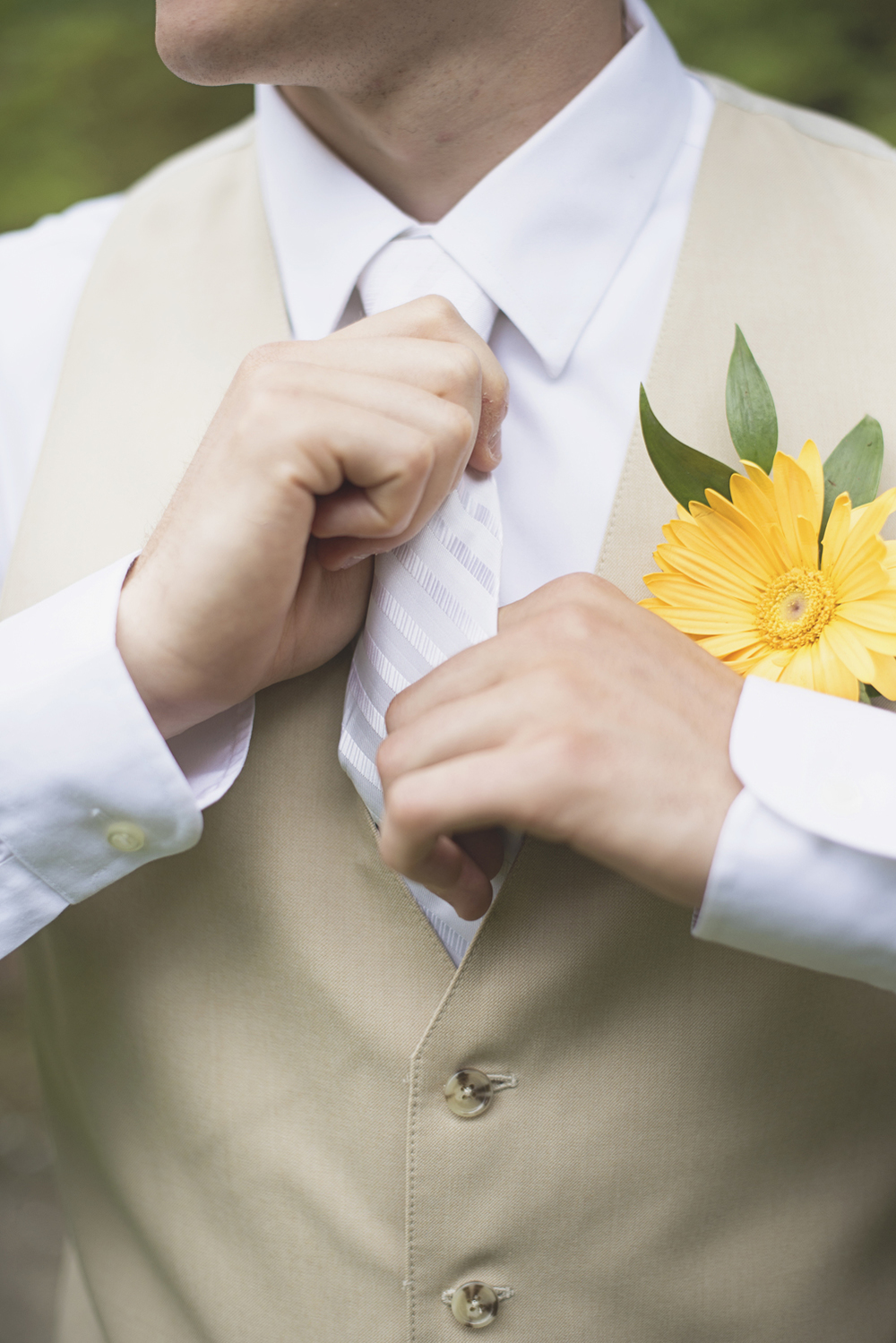 Mariners Museum Wedding | Newport News, Virginia |  Yellow daisy boutonniere