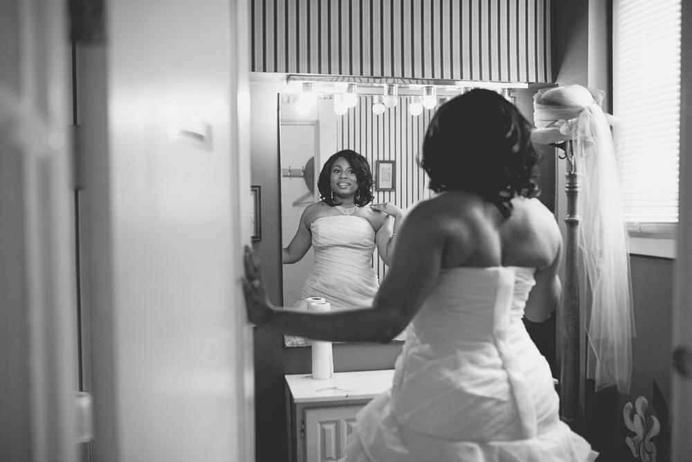 Magnolia House Inn Wedding | Hampton, Virginia Wedding | Bride getting ready