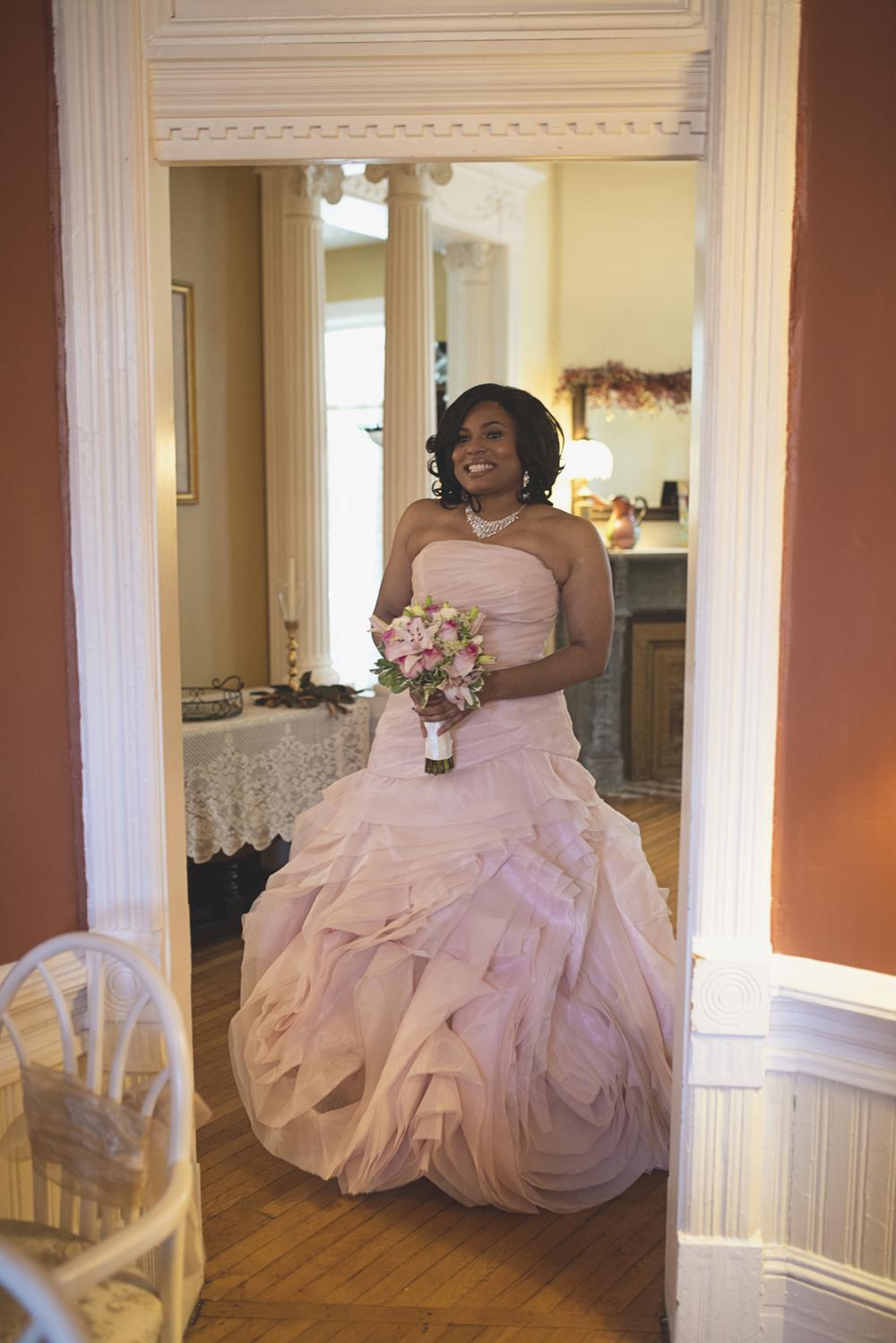 Magnolia House Inn Wedding | Hampton, Virginia Wedding | Wedding ceremony with blude