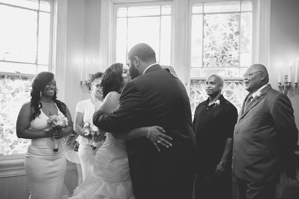 Magnolia House Inn Wedding | Hampton, Virginia Wedding | Wedding ceremony first kiss