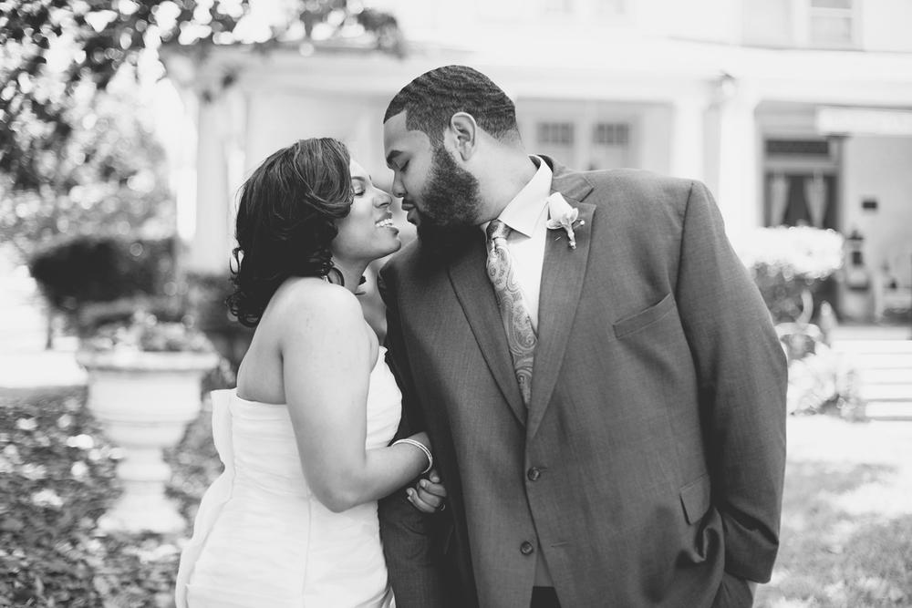 Magnolia House Inn Wedding | Hampton, Virginia Wedding | Bride & groom portraits | Black and white