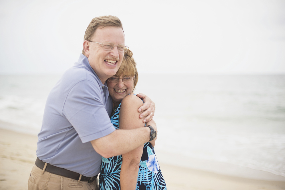 Outer Banks Family Portraits | Nags Head Family Pictures | Blue, black, and khaki outfits