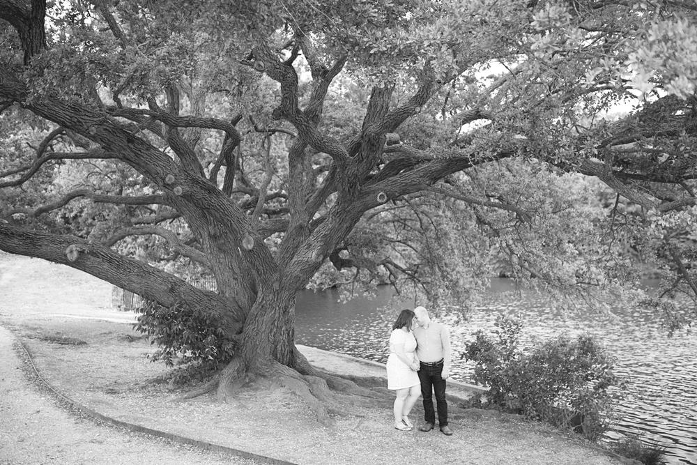 Top 10 Best Places in Hampton Roads for Family & Couple Portraits // Lion's Bridge