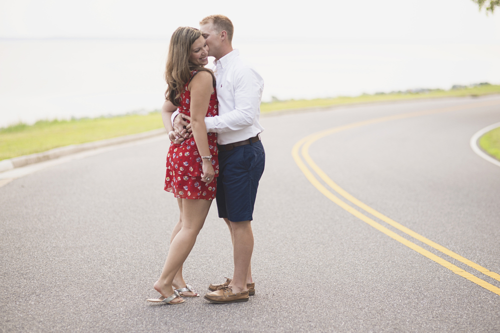 Top 10 Best Places in Hampton Roads for Family & Couple Portraits // Lion's Bridge