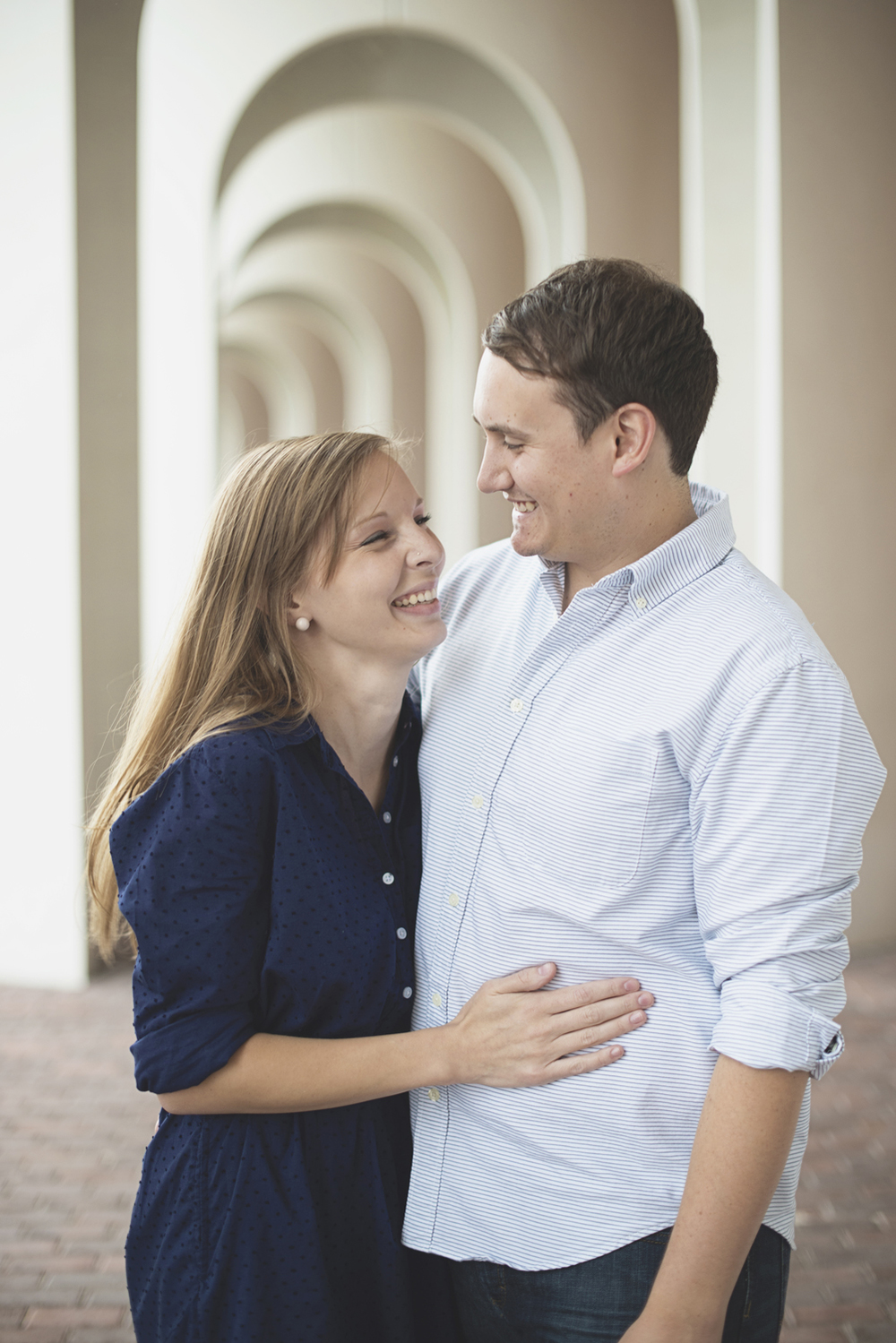 Christopher Newport Couples Photos | Newport News, Virginia | Blue, tan, and white couples outfit ideas