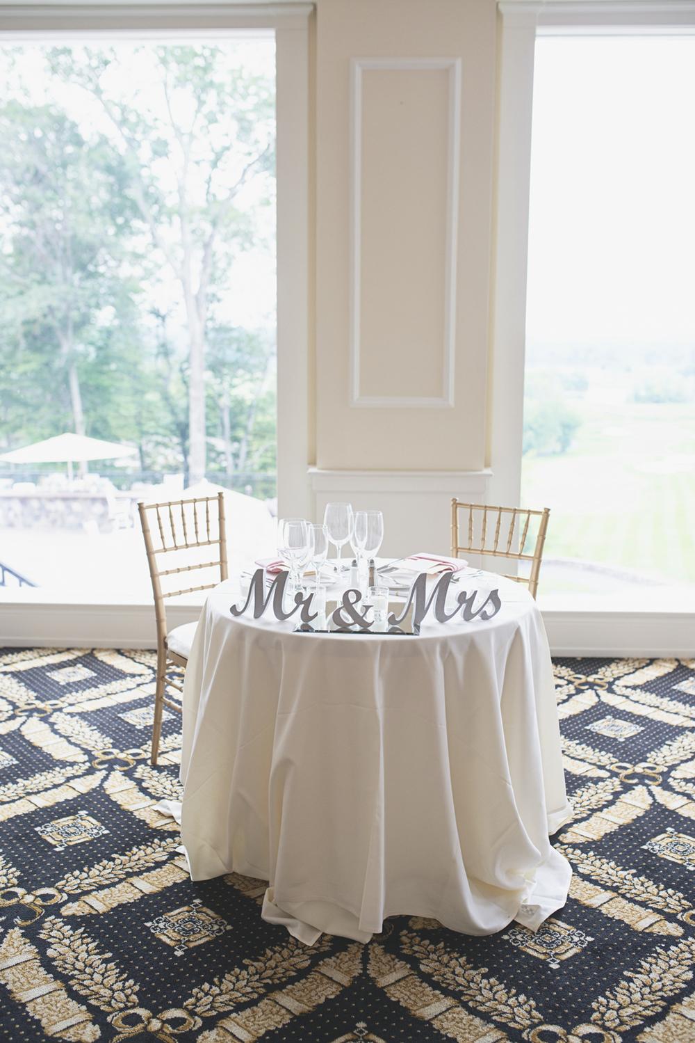 Trump National Golf Club Wedding | Washington, DC Wedding | Wedding reception | Sweetheart table