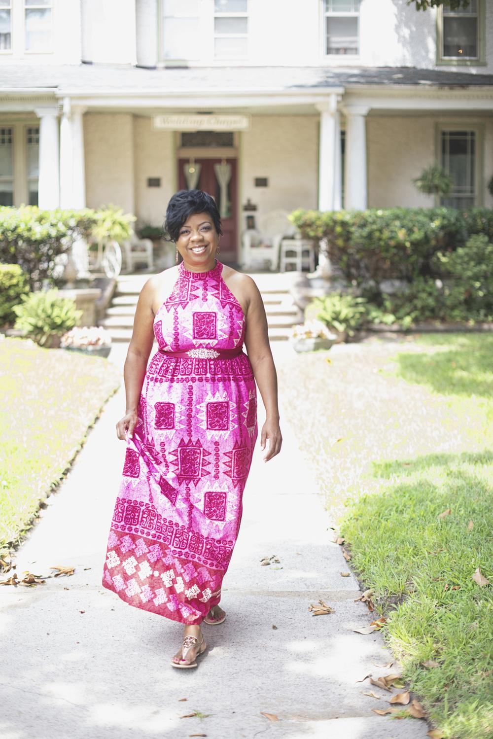 Magnolia House Inn Elopement | Hampton, Virginia Wedding Photographer | Bridal portraits in pink Hawaiian dress