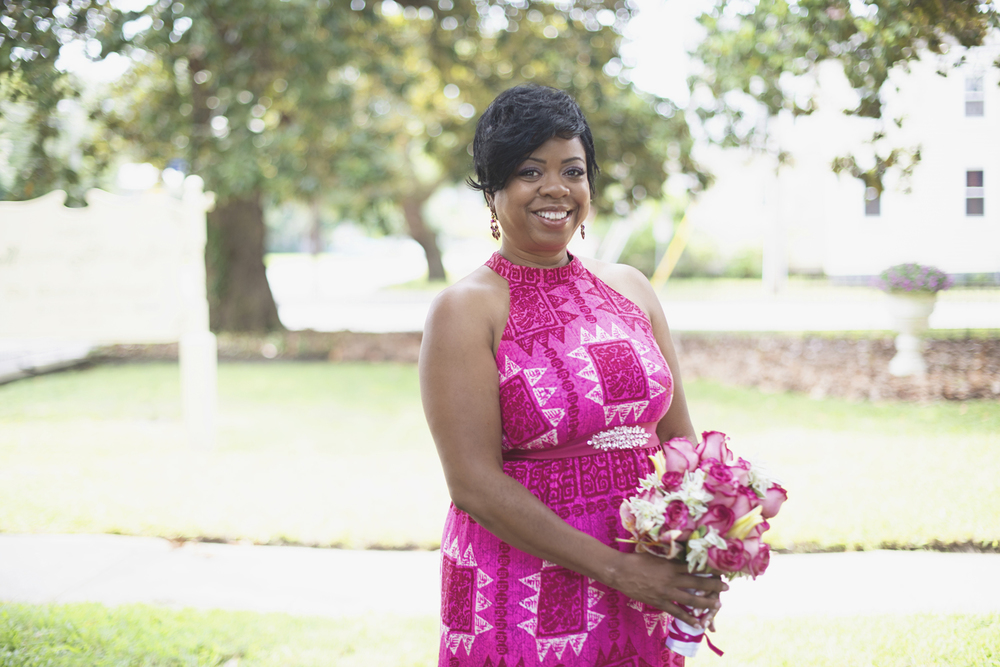 Magnolia House Inn Elopement | Hampton, Virginia Wedding Photographer | Bridal portraits in pink Hawaiian dress