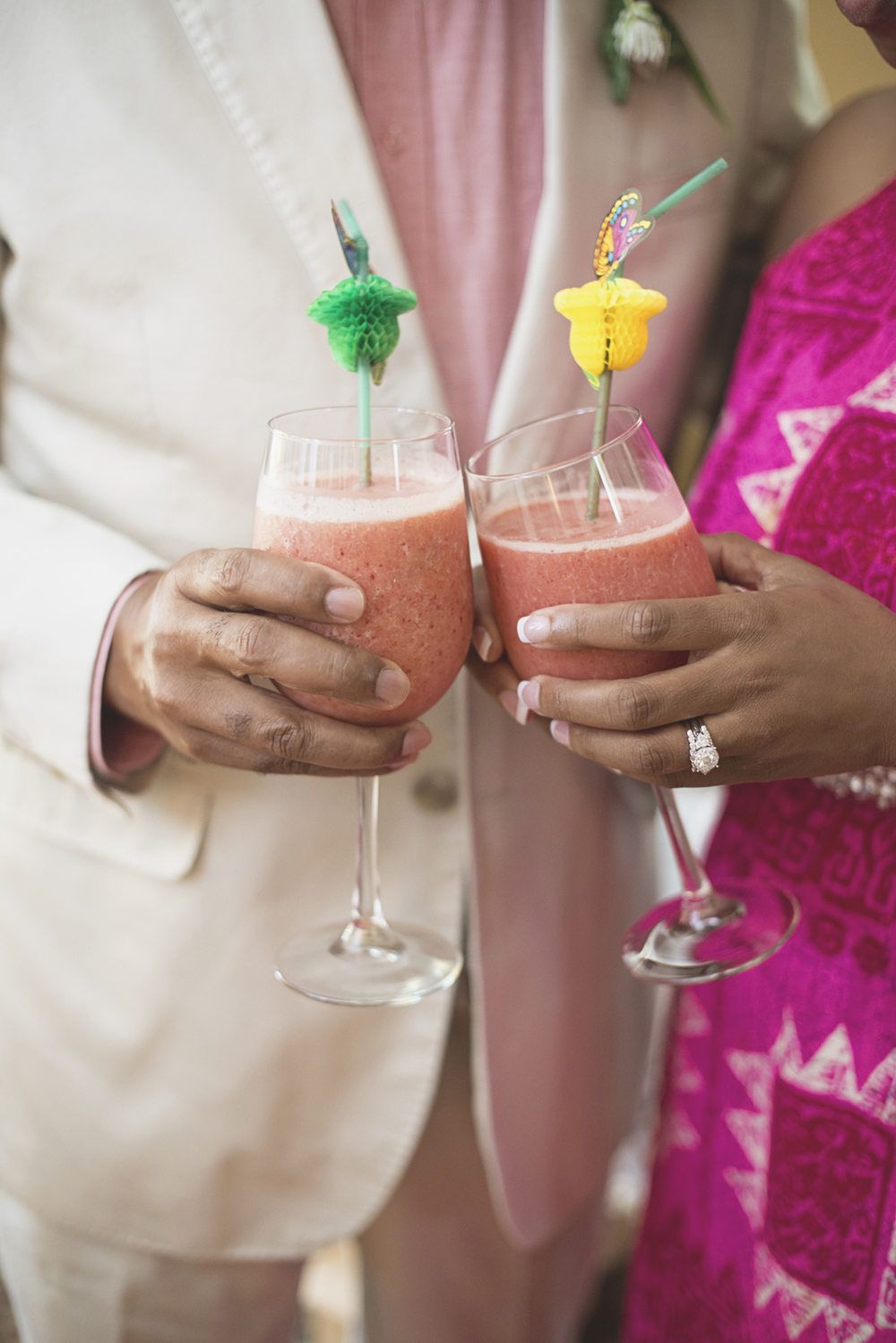Magnolia House Inn Elopement | Hampton, Virginia Wedding Photographer | Tropical fruit smoothies