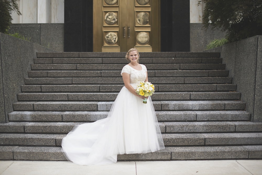LDS Temple Mormon Wedding | Washington, DC, Wedding | Iconic bridal portrait