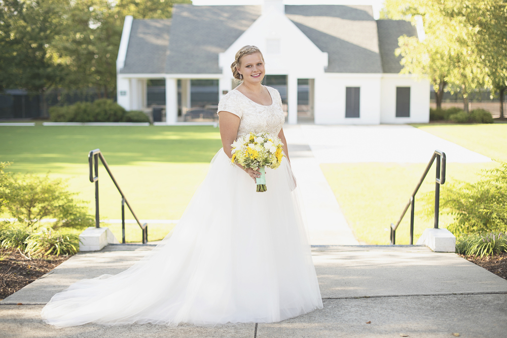 Confederate Hills Recreation Center | Richmond, Virginia Wedding | Iconic bridal portrait