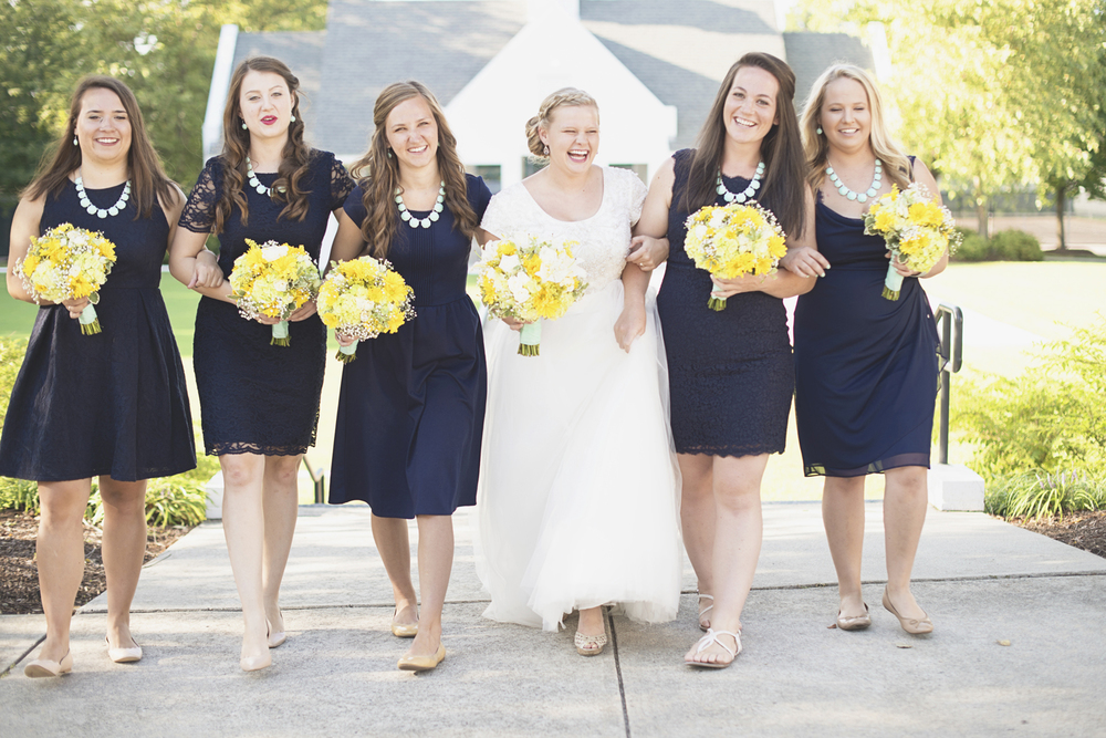 Confederate Hills Recreation Center Wedding | Richmond, Virginia, Wedding | Navy & seafoam green bridal party portraits