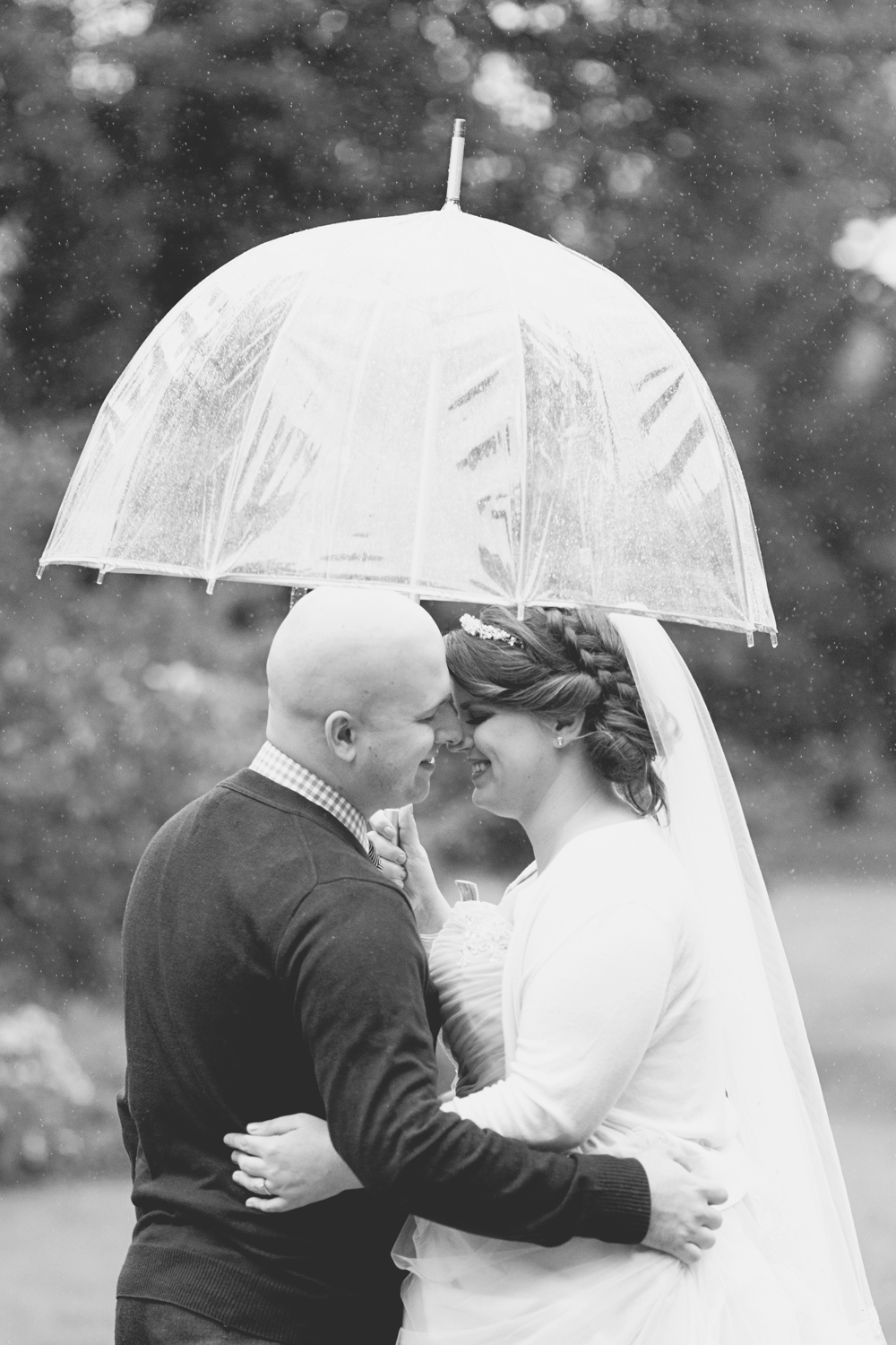 Lewis Ginter Botanic Garden Wedding | Richmond, Virginia, Wedding | Bride and groom rainy day portraits