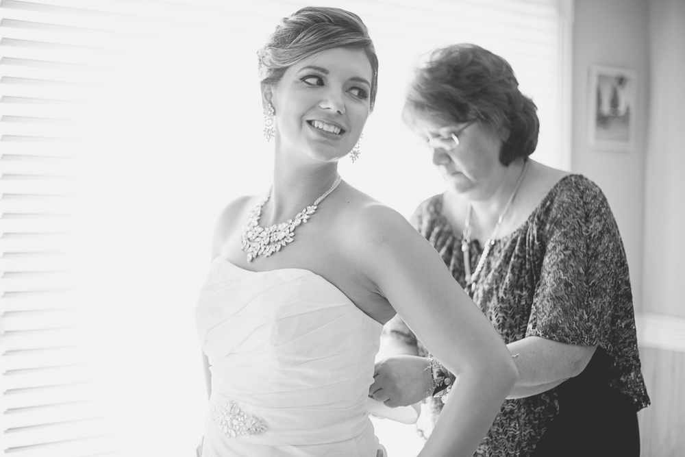 Charles City Wedding | Williamsburg Wedding Photographer | Bride getting ready