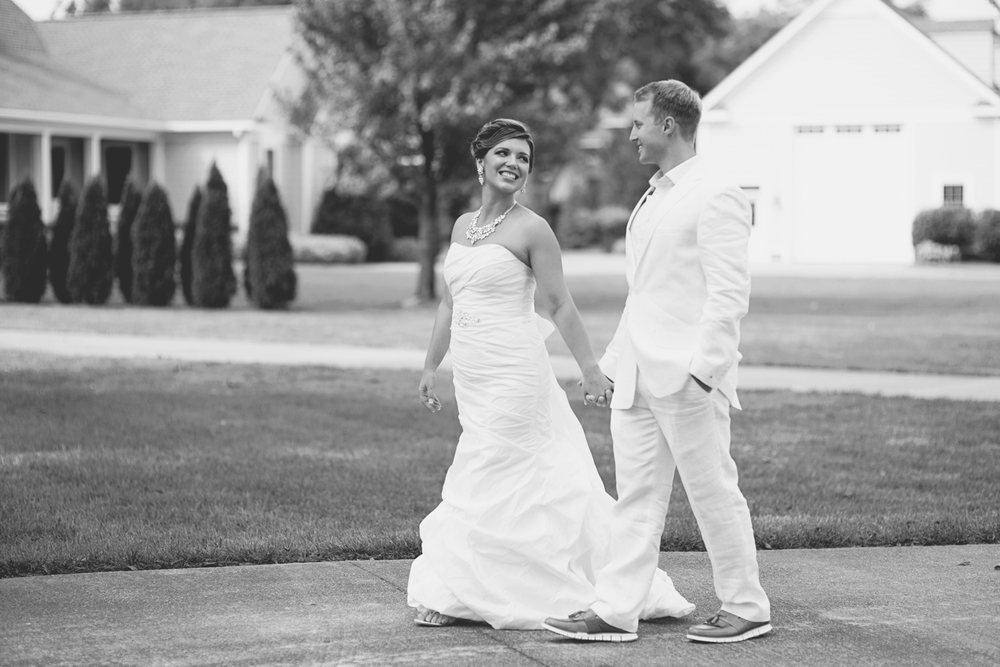 Charles City Wedding | Williamsburg Wedding Photographer | Bride and groom portraits