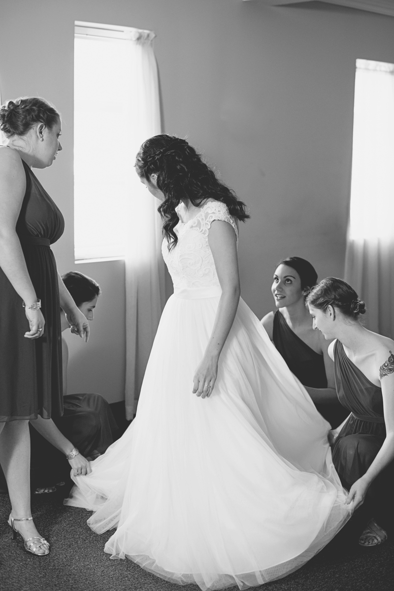 Hampton, Virginia Fall Wedding | Bride getting ready