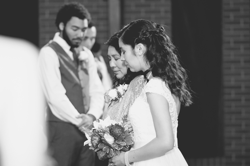 Hampton, Virginia Fall Wedding | Bride and mother praying