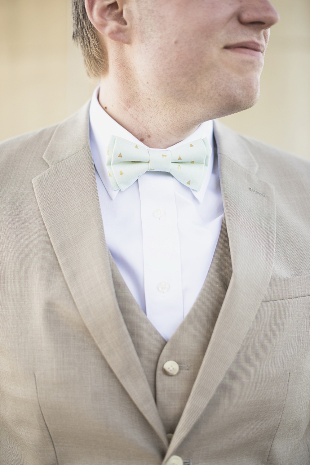 Blush, mint, and gold spring wedding | Yorktown, Virginia wedding |  Mint and gold bowtie