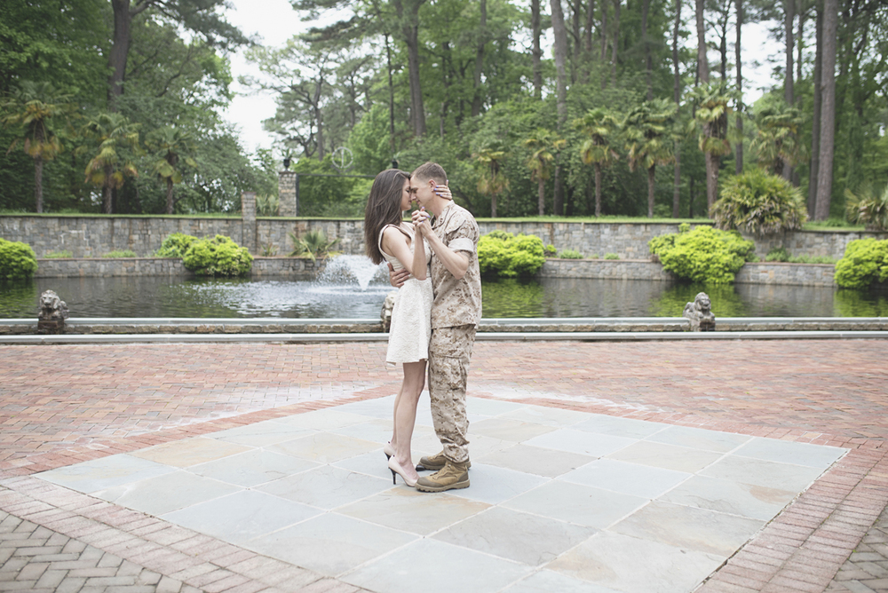 Botanical Gardens Engagement Session | Norfolk, Virginia Spring Engagement Session