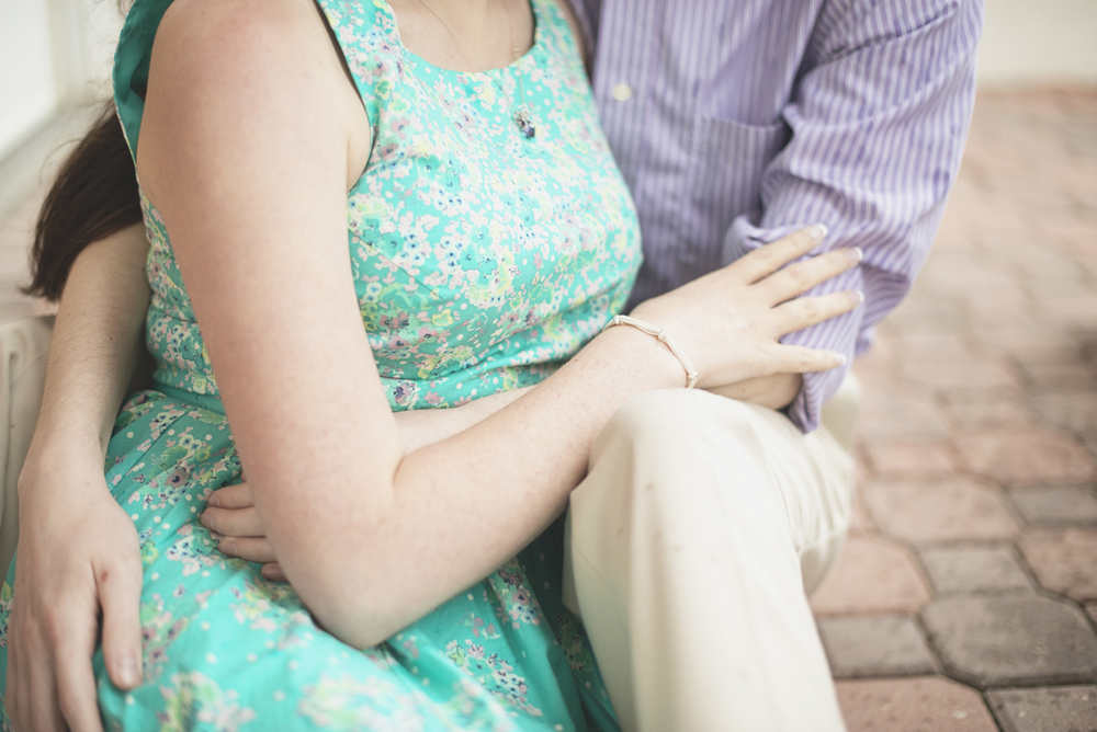 Christopher Newport Engagement Session | Rainy Spring Pastel Engagement Session