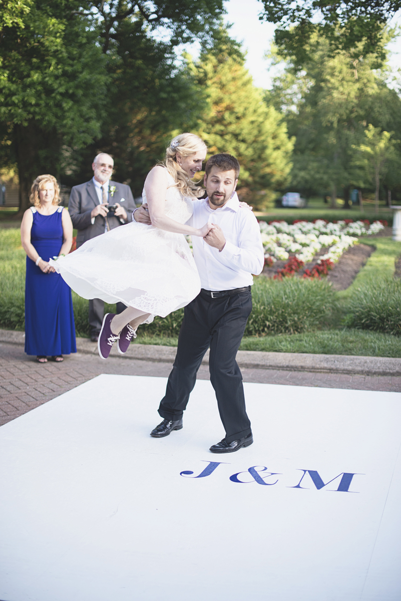 Classic vintage themed wedding | Navy, cream, and gray wedding in Richmond | Wedding reception swing dance