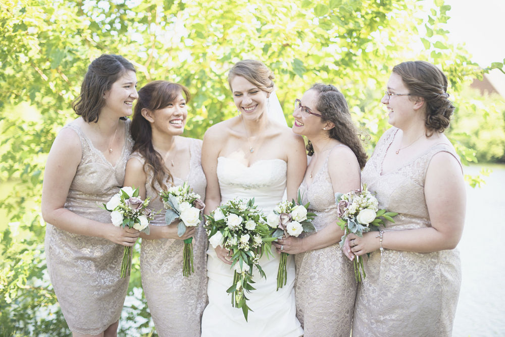 Green, Gold, and White Wedding | Founders Inn Virginia Beach Summer Wedding | Champagne bridesmaid dresses