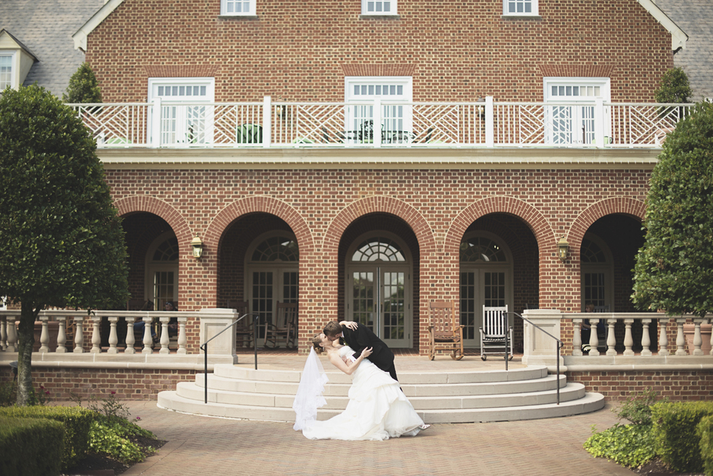Green, Gold, and White Wedding | Founders Inn Virginia Beach Summer Wedding | Bride and groom portraits
