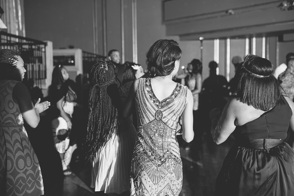 Great Gatsby Themed Urban Wedding | Wedding reception dancing