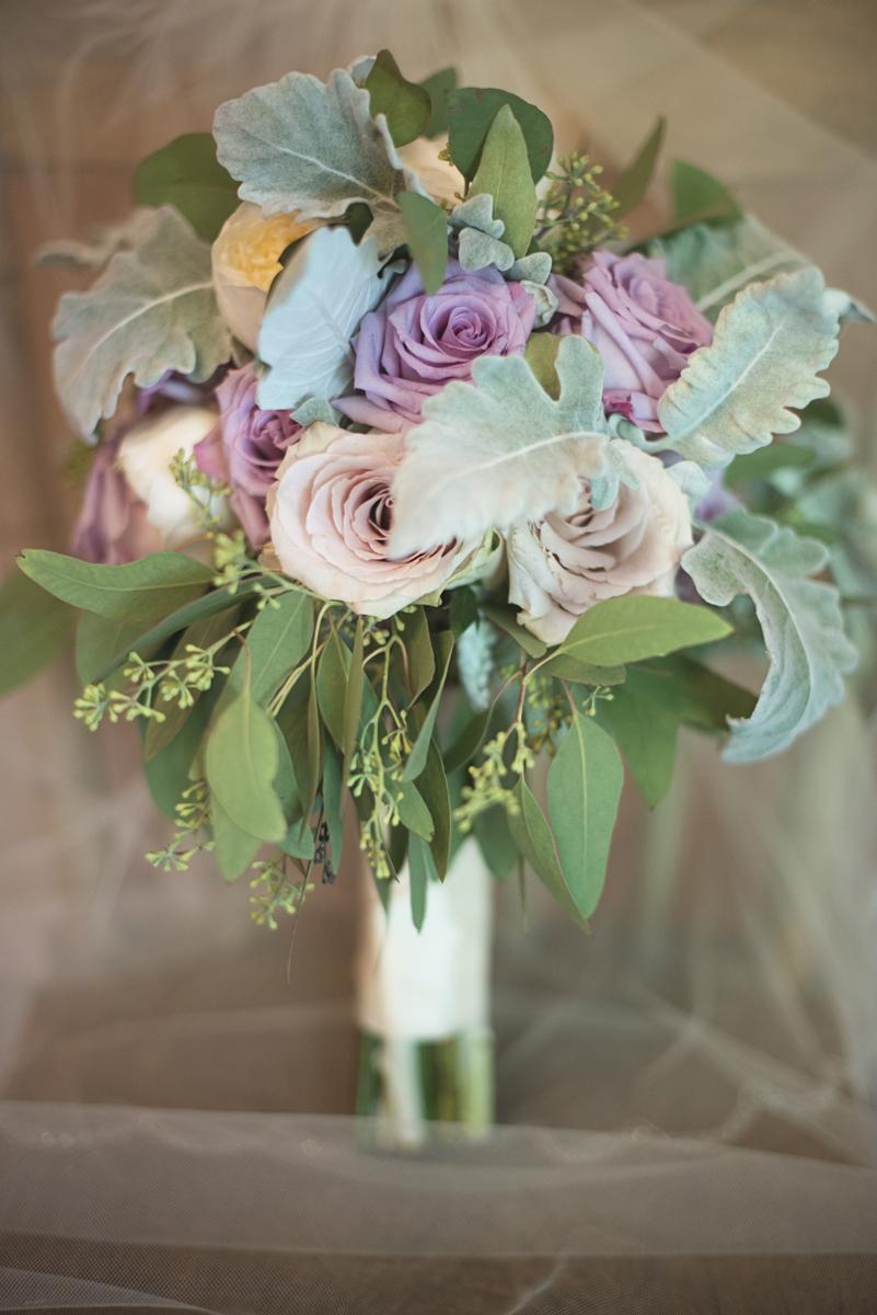 Elegant Lavender Plantation Elopement | Blush and lavender rose bridal bouquet